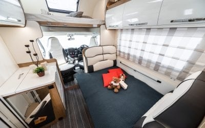 Luxury 6 Berth Motorhome (Auto Roller 746)
